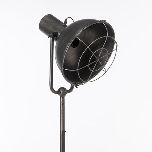 LAMPADA INDUSTRIAL 190 CM DETTAGLIO