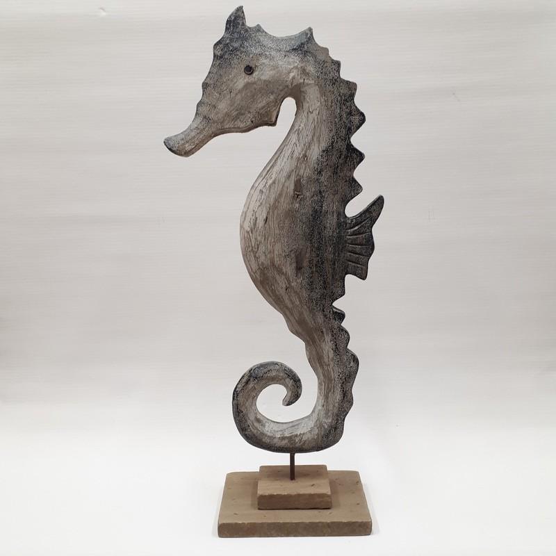 scultura-cavalluccio-marino-in-legno