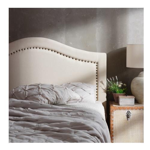 testata letto bianca con borchie